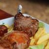 Restaurante Assim Assim Assado valoriza culinária brasileira