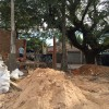 Construção em praça pública gera polêmica em Sousas