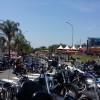 Harley Davidson fecha rua de terminal de Sousas para fazer estacionamento de evento