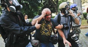 Fotógrafo Sérgio Moraes, da Agência Reuters, ficou ferido
