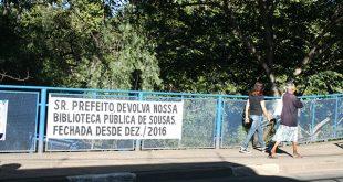 Faixa colocada pelos moradores na ponte Beira Rio